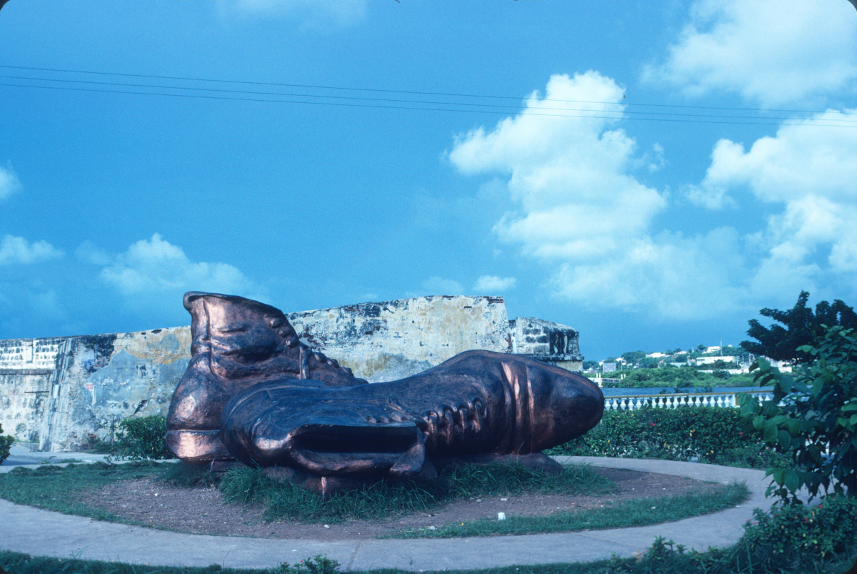 Carthagènes, énigmatique statue monumentale.jpg