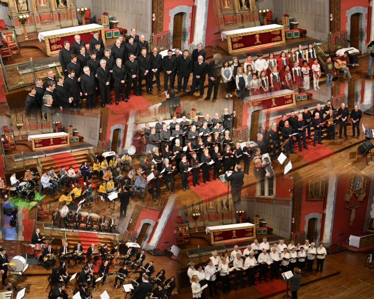 Des petits chanteurs bascophones honorés pour le concert de la Bixintxo