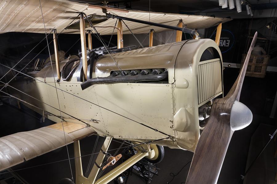 Moteur DH4.jpg