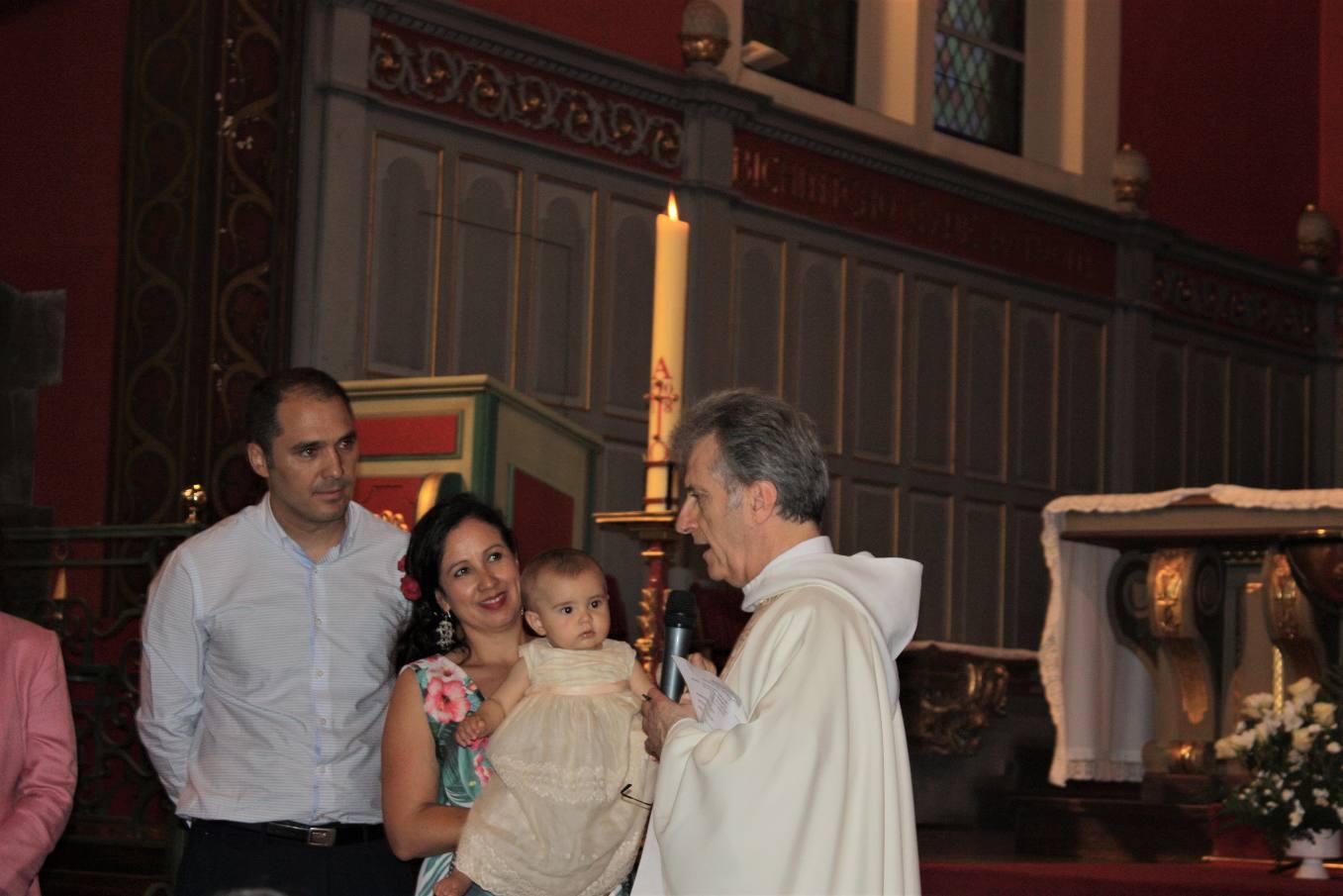Baptême d'Iñigo, petit frère d'une communiante...