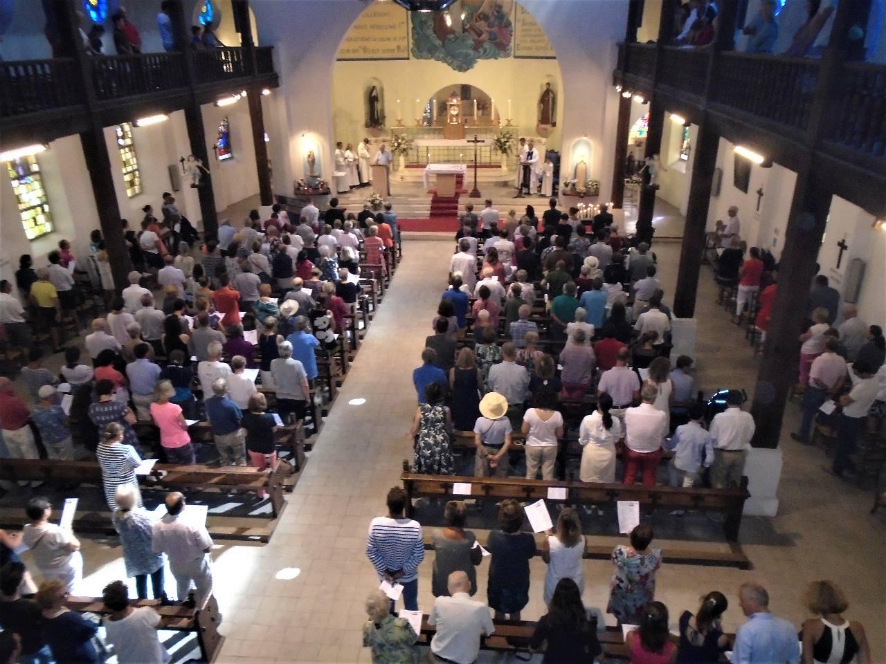"""Prière universelle  ♫♫ """"Avec Marie, ta Mère, nous te supplions"""""""