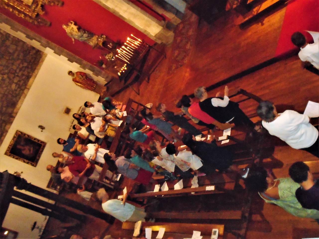 Nous nous levons pour la grande prière eucharistique
