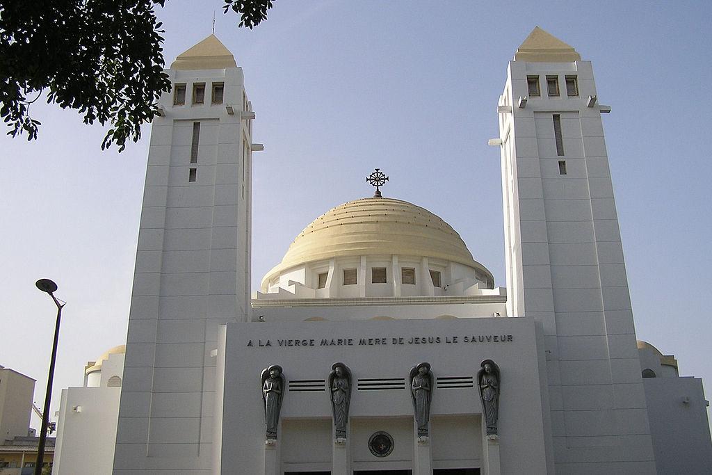 1024px-Dakar_cathedrale.jpg