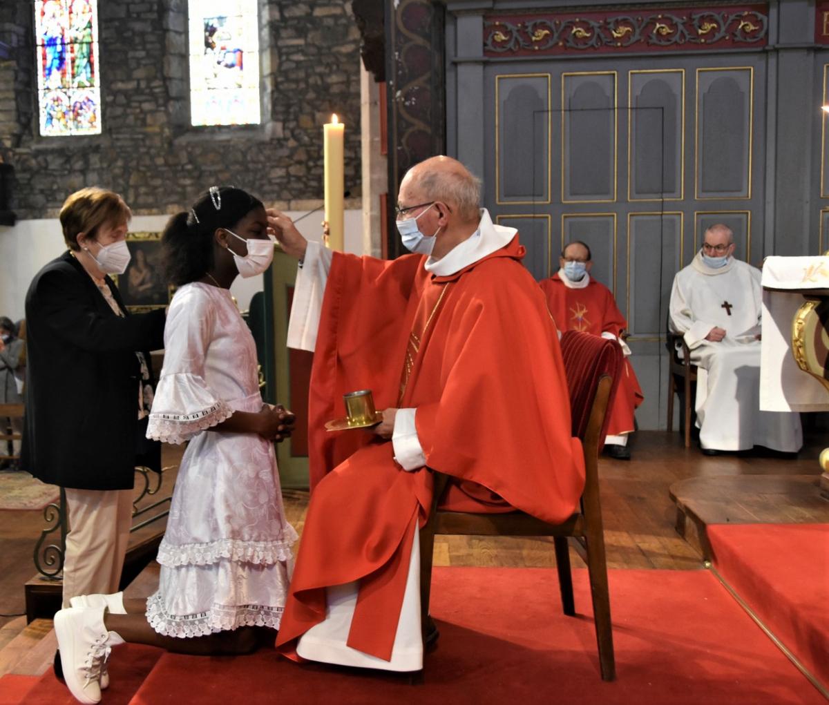 """""""Elisabeth, sois marquée de l'Esprit Saint, le don de Dieu"""""""