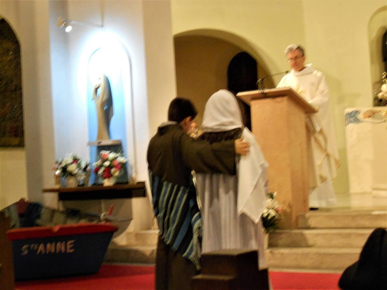 Joseph (Alexander)  et Marie se mettent en route pour Bethléem