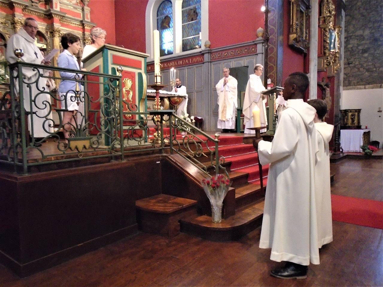 ... Paul ; et le célébrant, bien sûr, l'abbé Jean-Marc