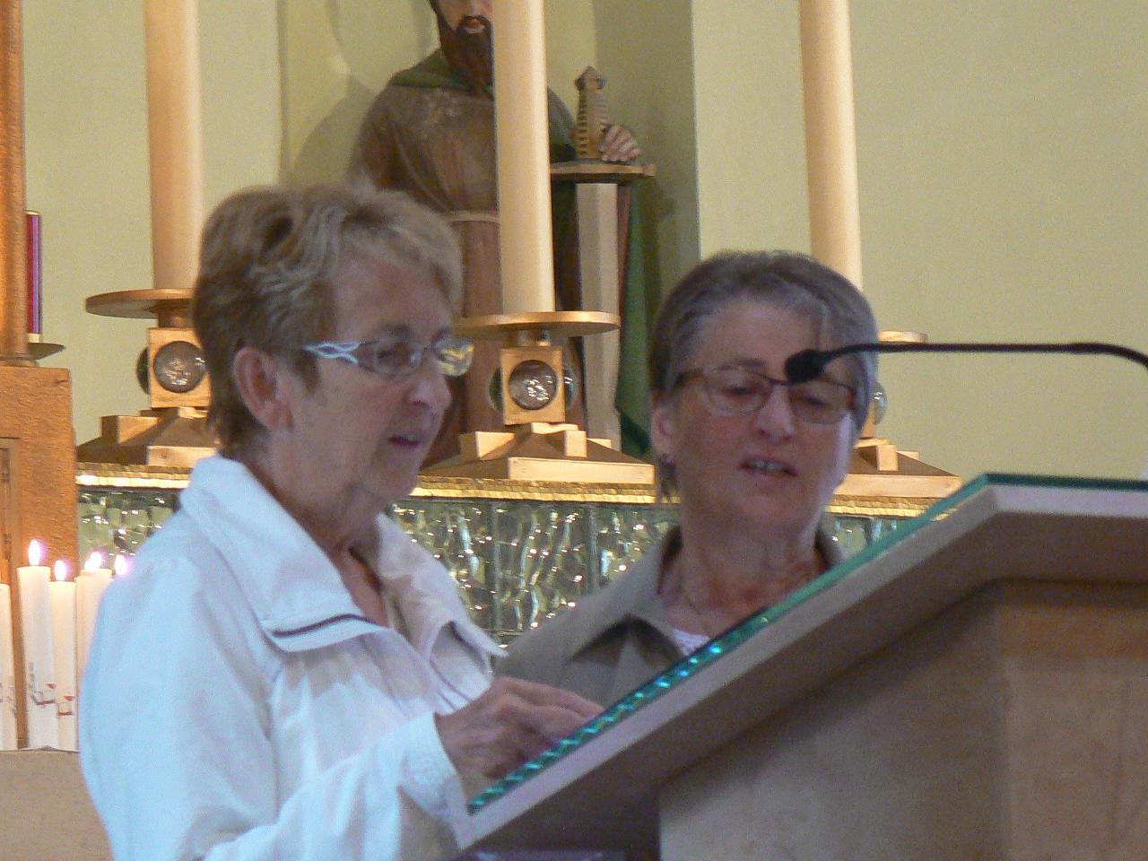 Josiane et Colette pour les chants