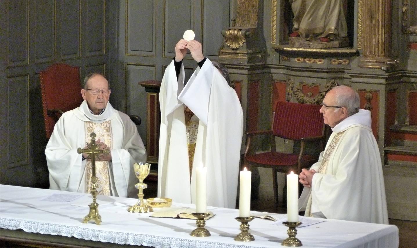 """"""" Mon Seigneur et mon Dieu """""""