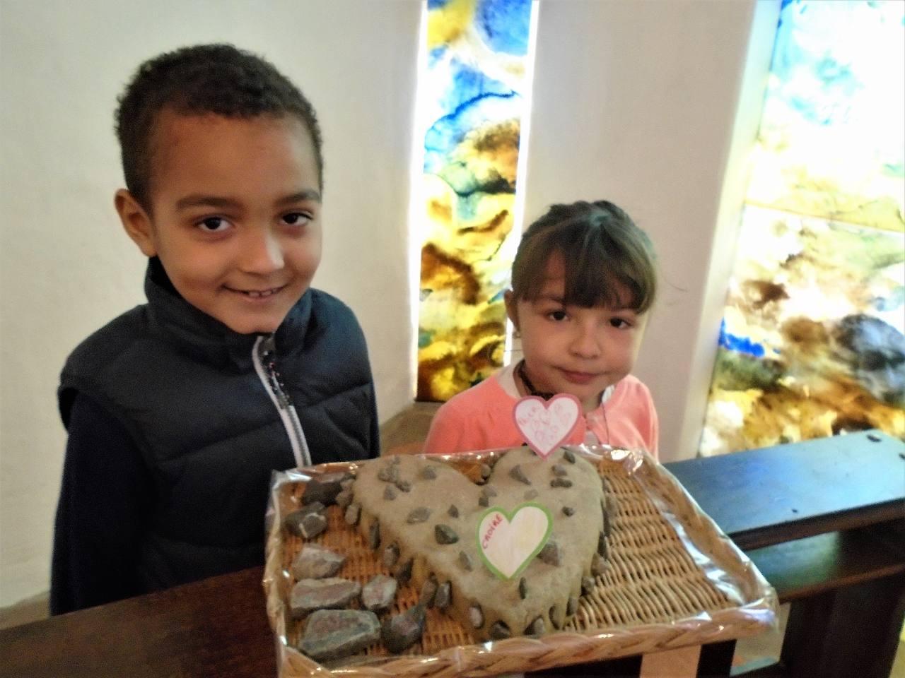 """Seuls deux enfants avaient commencé la """"conversion"""" le 1e dimanche du Carême ; deux enfants aux prénoms significatifs : Théo et Angela !"""