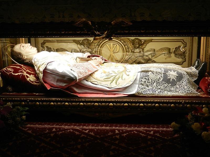 Châsse de saint Joseph-Benoit Cottolengo dans la Piccola della Divina Provvidenza
