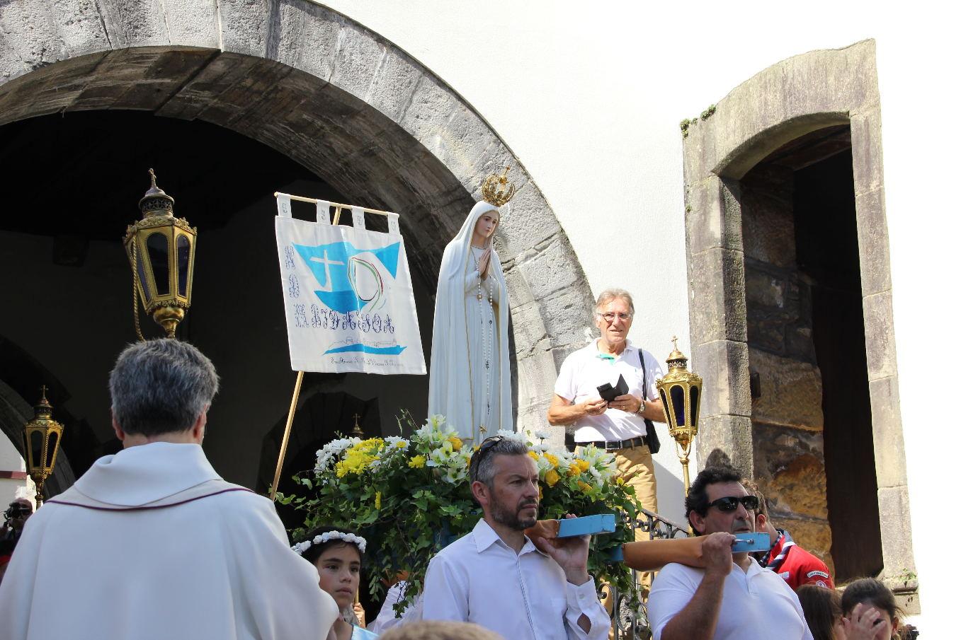 """""""Uni à mes frères, dans la Foi, dans l'Espérance et dans l'Amour, je me confie à Toi."""" (Pape François)"""