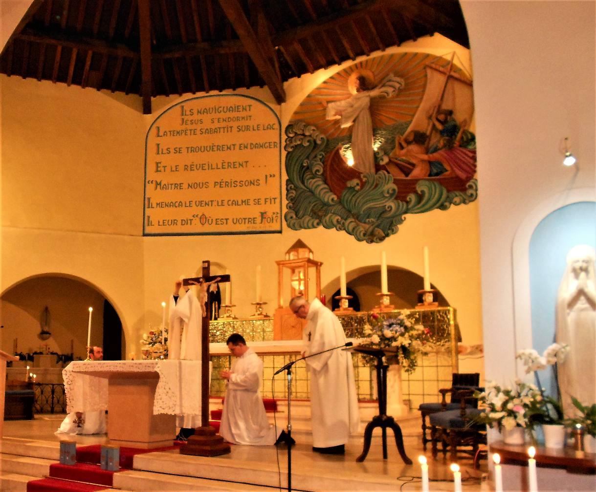 Toucher le seigneur en allant vers nos frères ; se laisser toucher par le Seigneur dans la communion