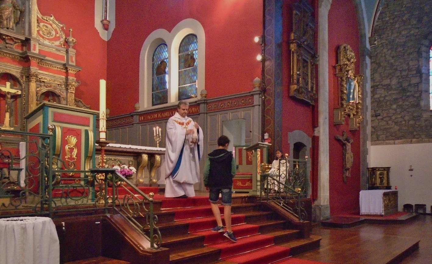 Chacun pourra faire comme les enfants à la sortie de la messe