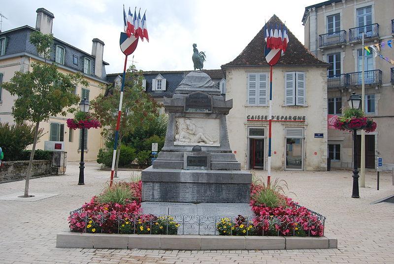 800px-Salies_monument_aux_morts.jpg