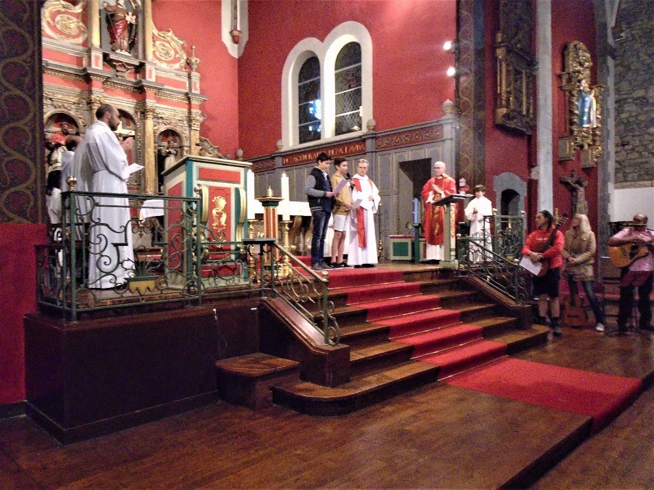 Mathys et Jean-Philippe accueillent l'assemblée