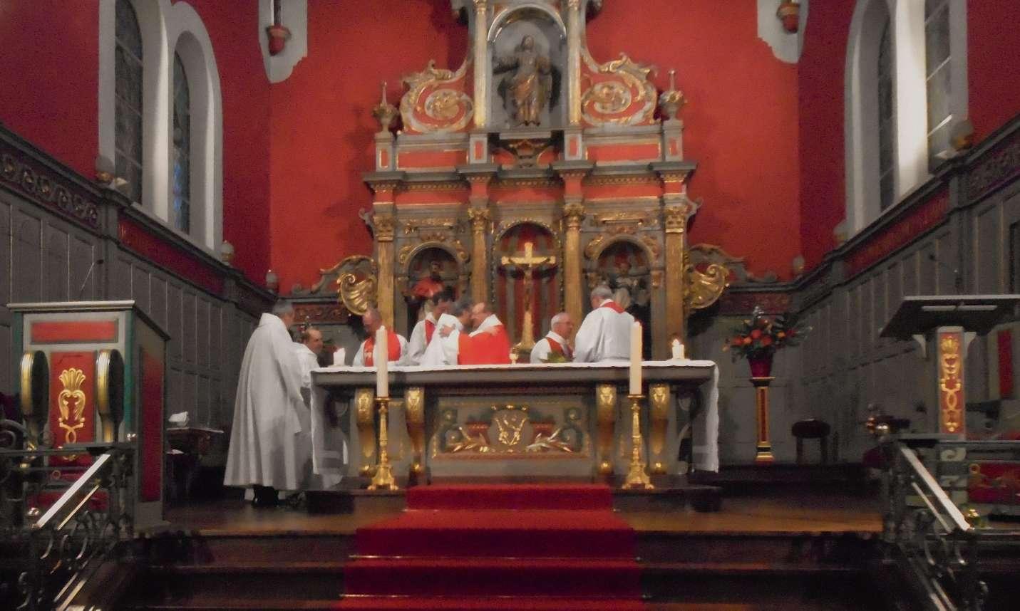 Le baiser de paix depuis Saint Paul : « Saluez tous les frères d'un saint baiser »