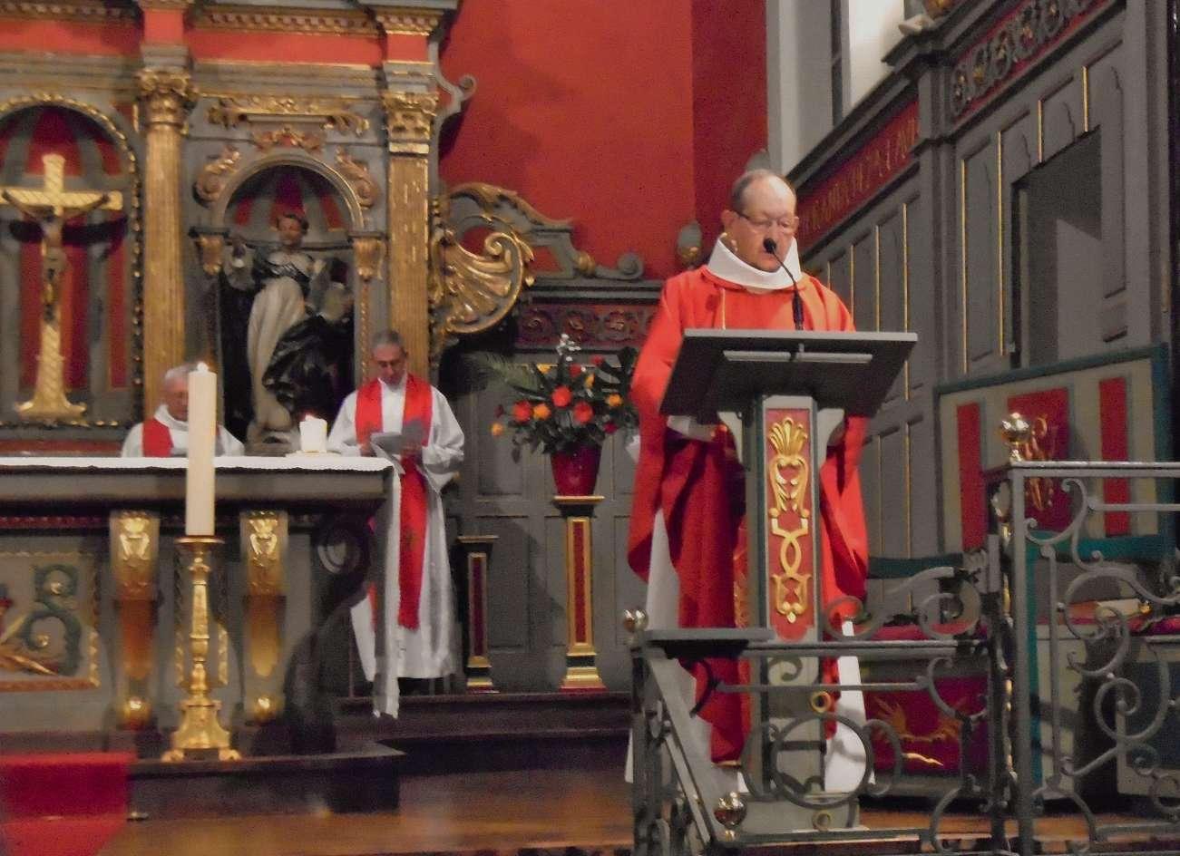 L'abbé Bernard Fourgs, même présidence, avec 50 ans d'écart