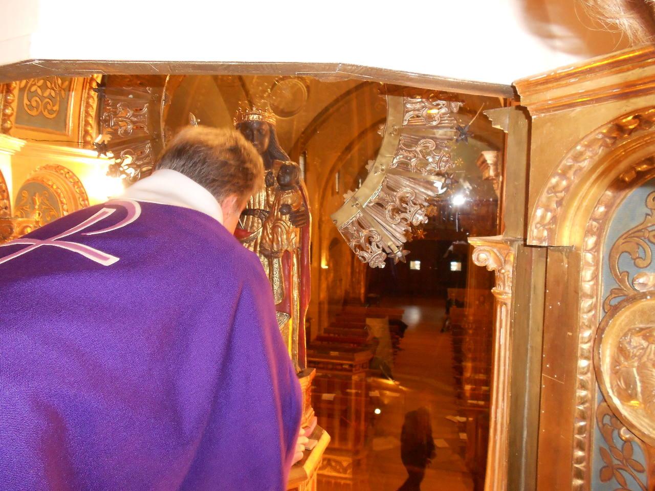 """Et nous voici dans la """"chambre haute"""" ! - l'abbé Jean-Marc et Notre Dame de Guadaloupe"""