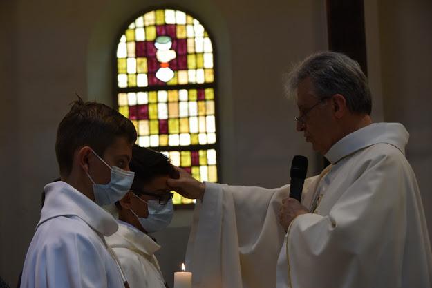 Onction du Saint Chrême