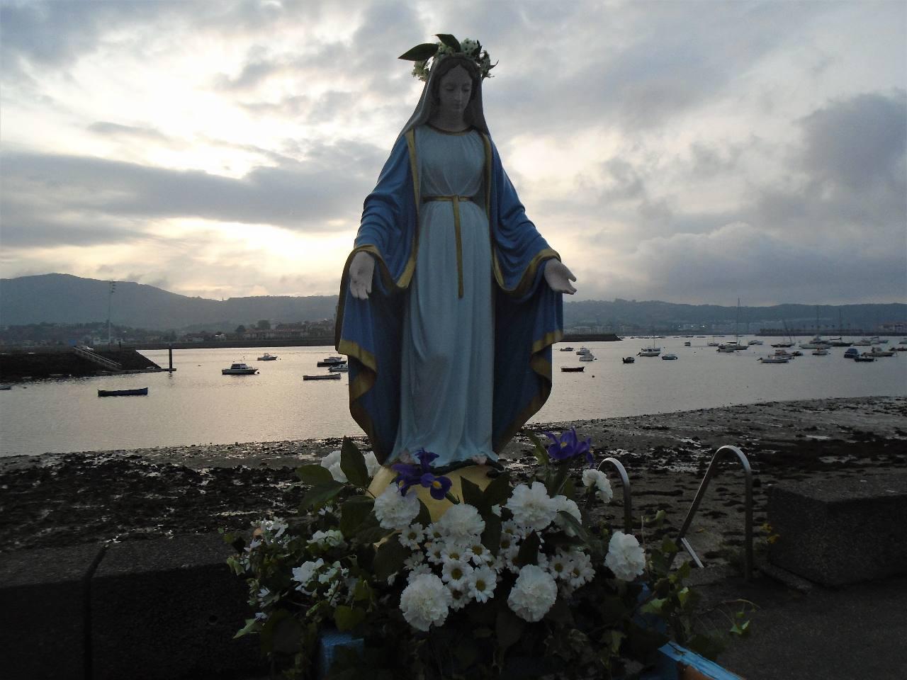 Un ciel expressif pour auréoler Marie