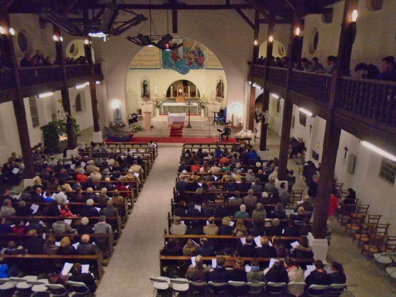 Une belle assemblée des grands jours à l'église sainte Anne