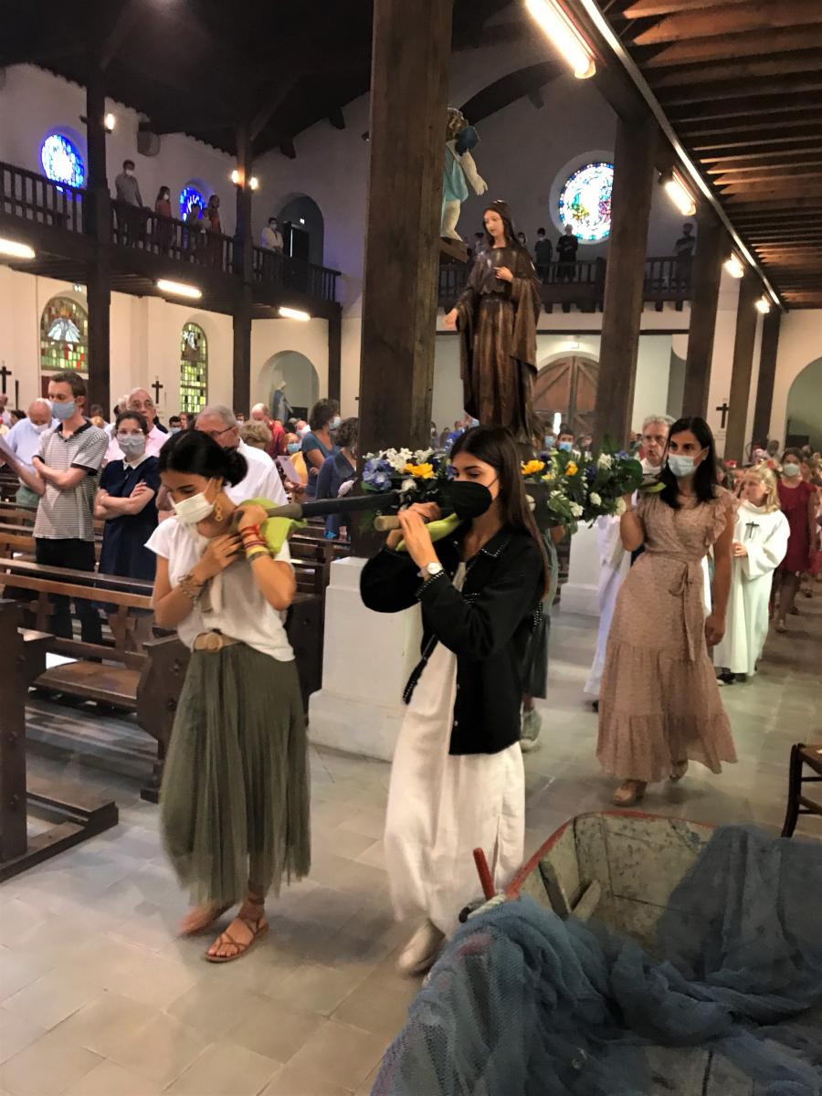 Procession à Sainte Anne pour la fête de l'Assomption de la Vierge Marie