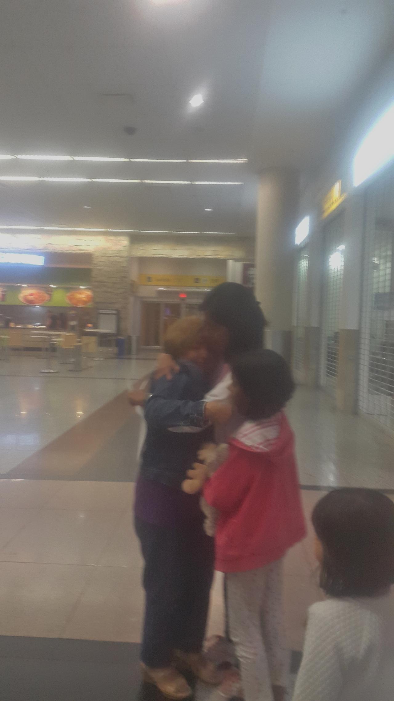 Arrivée à Guayaquil ; enfin les bras de ma maman !