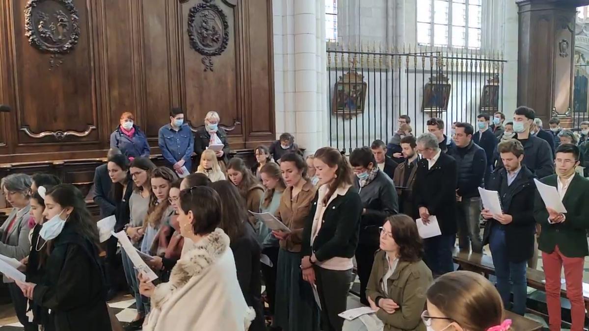 Retour sur la messe de la Pentecôte animée par TOTUS TUUS et les choristes de la paroisse