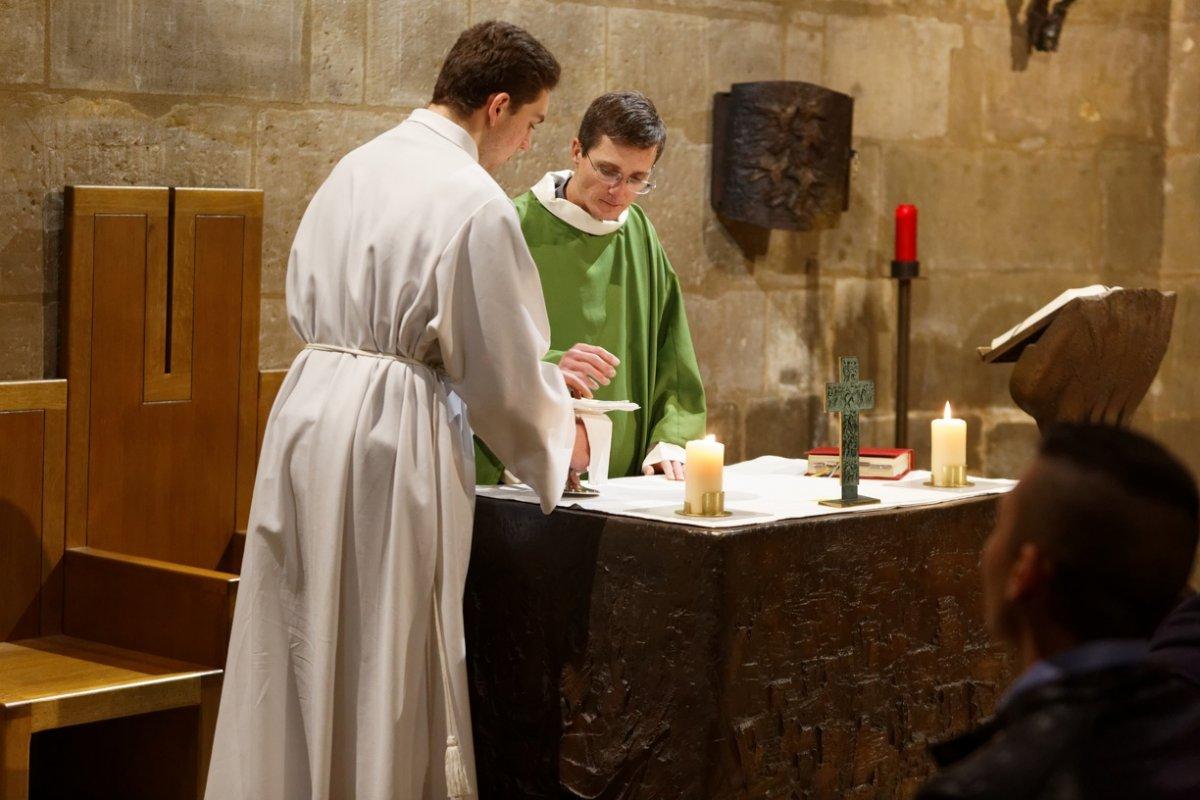 Messe en semaine 2.jpg