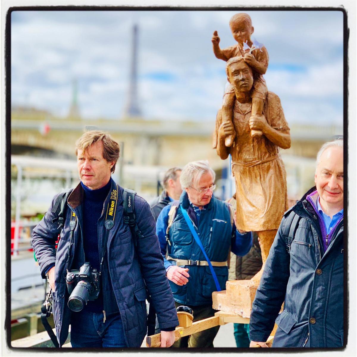 Joseph avec Jésus sur les épaules, la belle statue de la Marche !