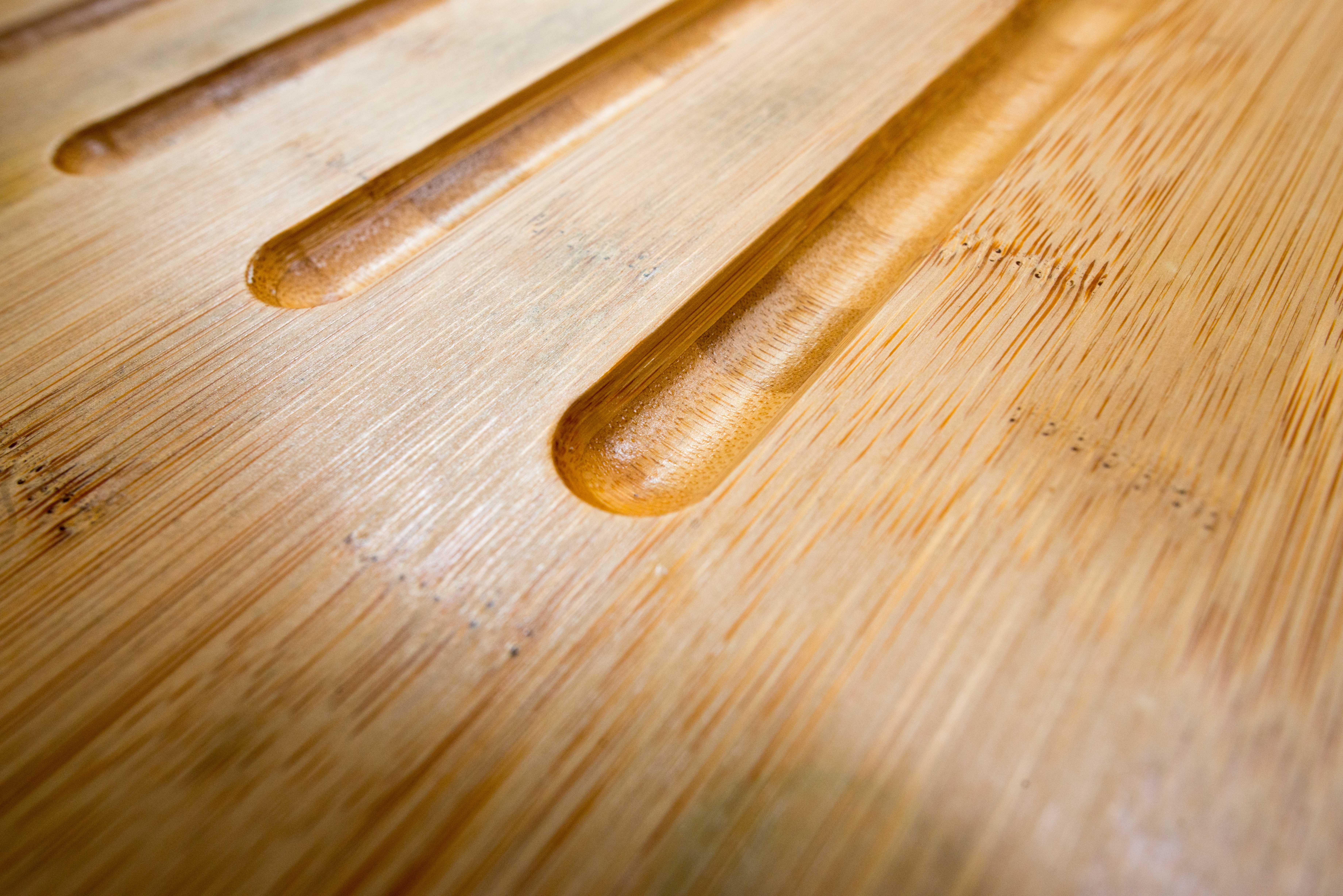 close up of bamboo worktop sink drainer grooves