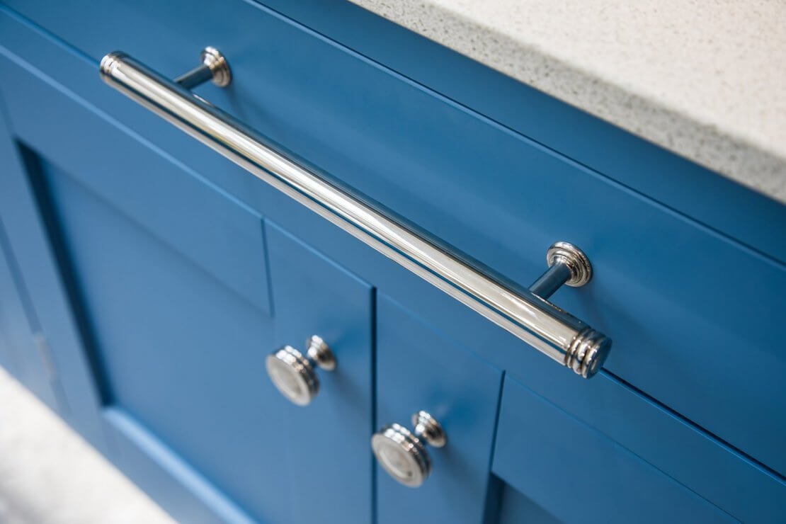 new kitchen cabinet and pull handles