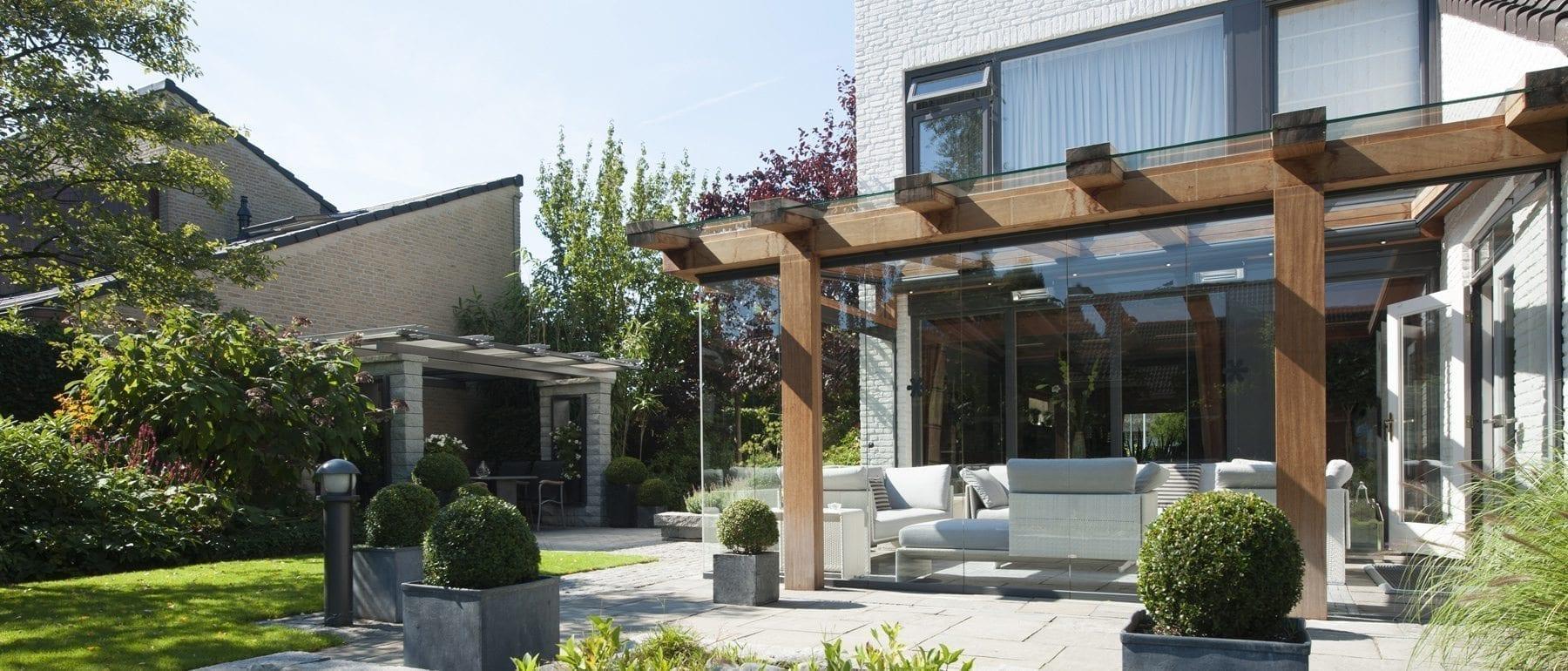 Houten terrasoverkappingen met glas