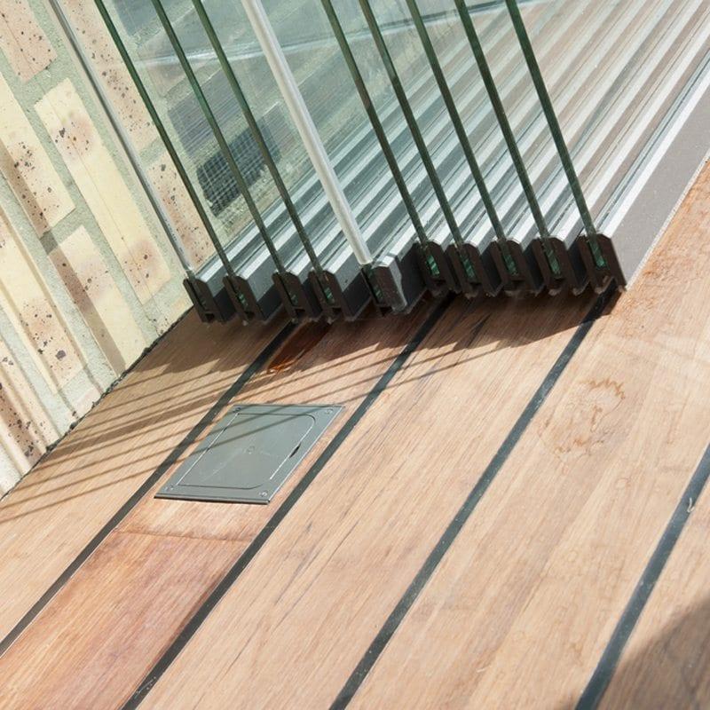 Glazen overkapping hout
