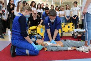 Школы столицы популяризируют обучение навыкам оказания первой помощи
