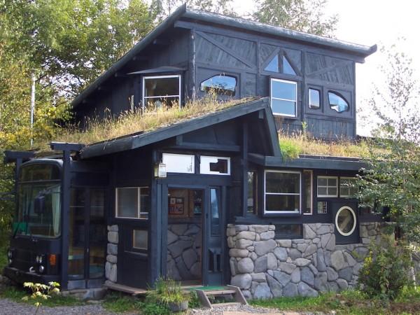 Costruire una casa con materiali riciclati