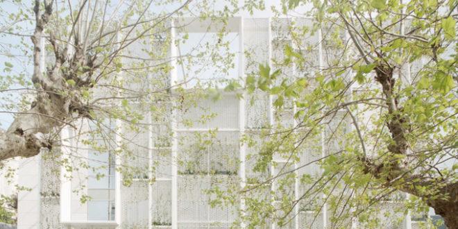 La parete verde di Gosplan per il Sea Art Hotel di Camogli