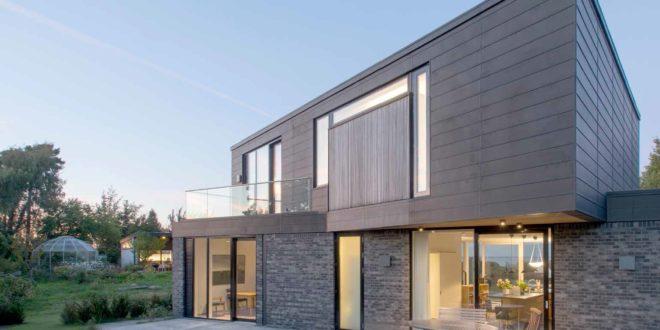 Villa su due piani altezza e luminosit casa naturale for Migliori piani casa a due piani 2016