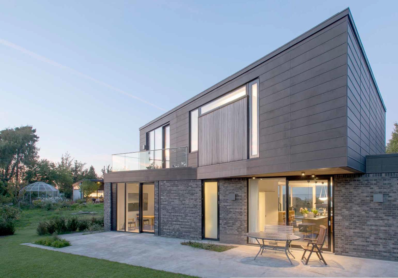 Villa su due piani altezza e luminosit casa naturale for 1 5 piani casa piani