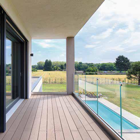terrazzo e piscina villa prefabbricata Biohaus