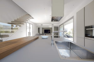 Bahaus | casa in legno sulla collina | interni | Vicenza | luce naturale