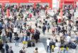 Salone del mobile 2019   verde fa tendenza   folla di persone