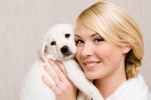 donna-con-cucciolo