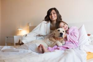 Cane nel letto: problemi di sonno?