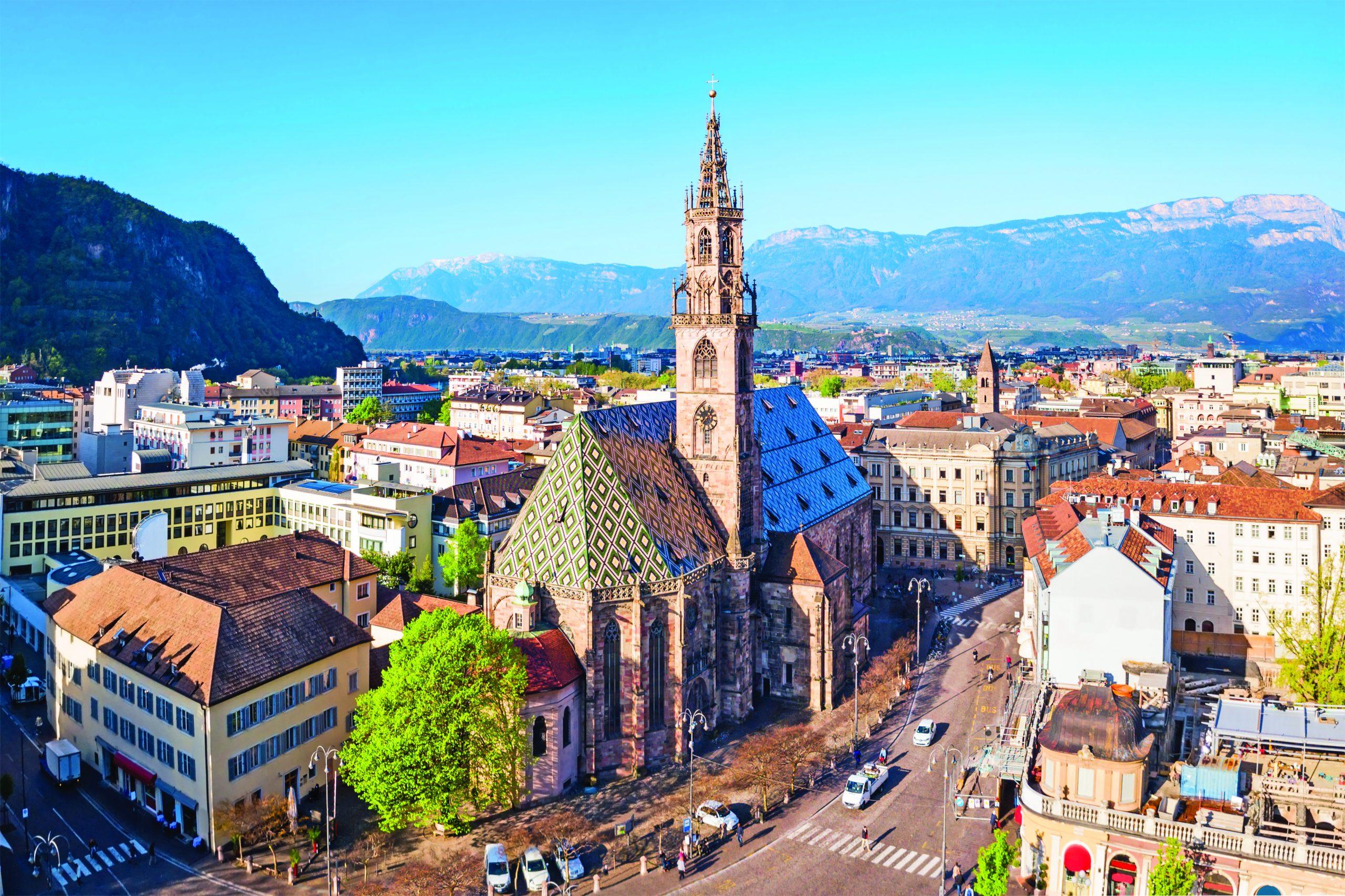 Bolzano: la città in mezzo ai monti - Quattro Zampe