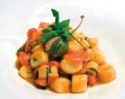 Ricetta gnocchi di patate con pomodorini, olive e capperi