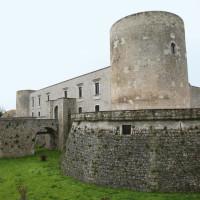 Il maestoso Castello Pirro del Balzo a Venosa