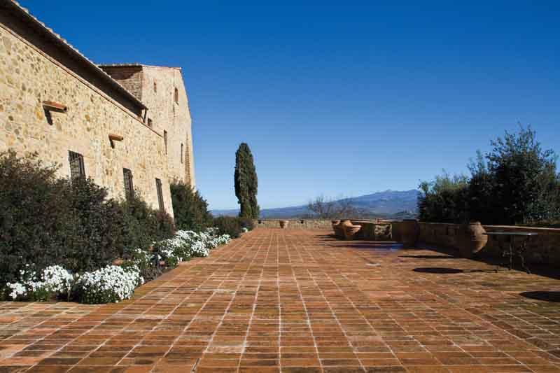 Il castello della famiglia Bertarelli in Maremma