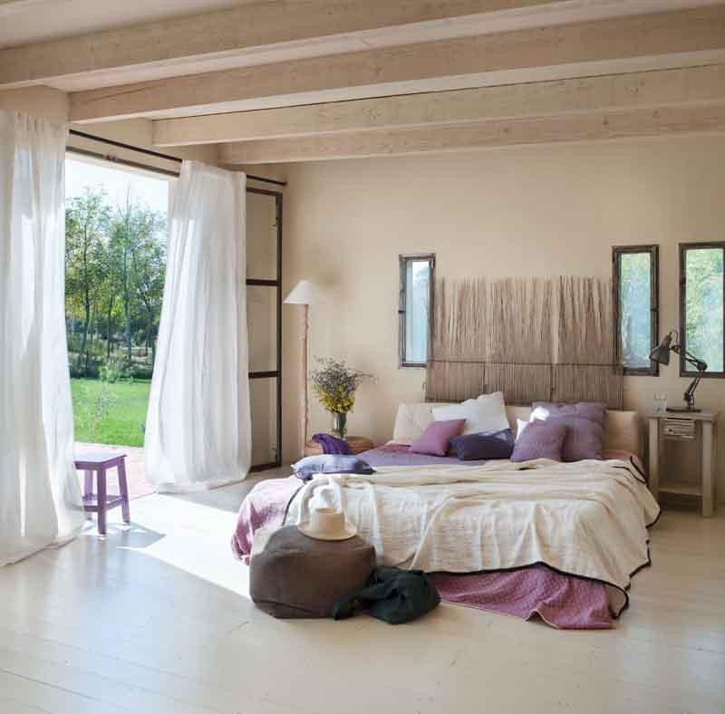 Soffitto legno bianco scala tavolo in legno divano for Costo del soffitto a cassettoni