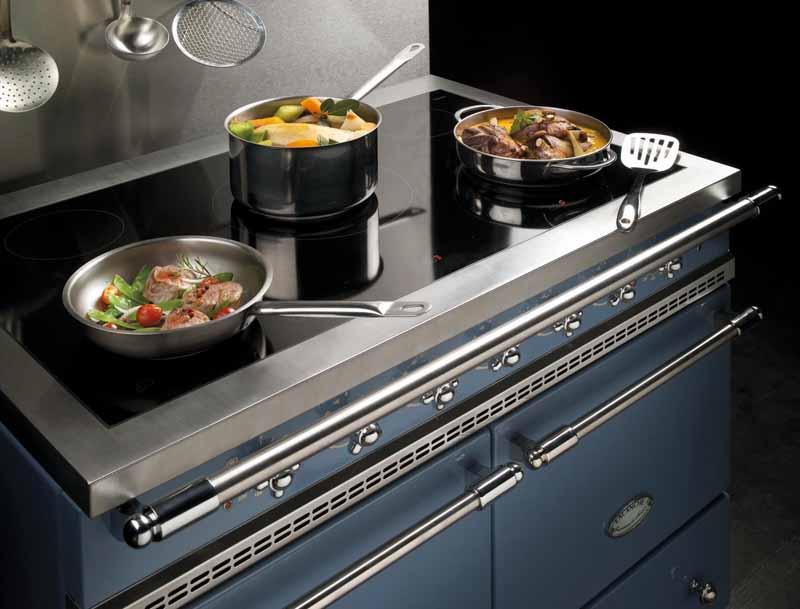 La cucina d 39 atmosfera ville casali - Piano de cuisine induction ...